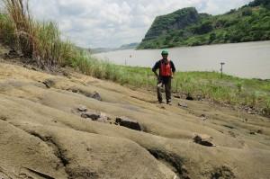 Trabajando en el área del Canal de Panamá